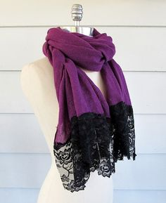 DIY Scarf with lace! Transform scarfs into a fashion forward look! Fabric Crafts, Sewing Crafts, Diy Mode, Do It Yourself Fashion, Diy Couture, Diy Fashion, Fashion Tips, Lace Scarf, Diy Clothing
