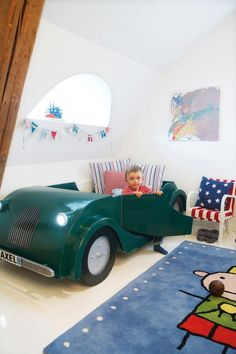 Vintage car bed... so much cooler than a race car