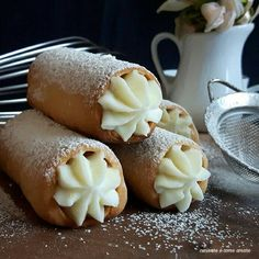 Italian food will be very important to you during and after your Italy vacation. Most people are usually surprised by the diversity of food in Italy Sweets Recipes, Cake Recipes, Dishes Recipes, Popular Italian Food, Biscotti Cookies, Cannoli, Italy Food, Sicilian Recipes, Italian Dishes