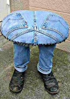 """Recycled Denim Footstool - no instructions but easy enough to construct if you're crafty. Great idea for a """"man cave"""" or boy's bedroom!"""