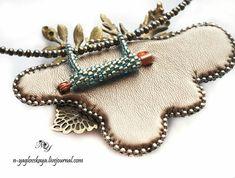 Плетенный съемный переходник для превращения броши в кулон   biser.info - всё о бисере и бисерном творчестве