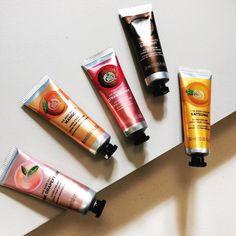 Buy Satsuma Hand Cream from The Body Shop. Body Shop At Home, The Body Shop, Body Shop Body Butter, Body Shop Skincare, Divas, Body Shop Tea Tree, Natural Exfoliant, Smell Good, Body Scrub
