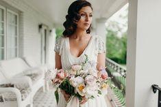 beautiful bride and bouquet. Nashville, Tn wedding  www.bluevinylphotography.com