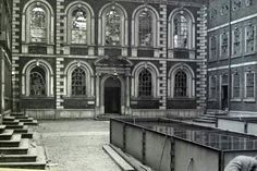 Bluecoat chambers world war 2 damage Liverpool History, Liverpool Home, Listed Building, Old Building, King John, Modern Metropolis, The Good Old Days, Historical Photos, Old Town