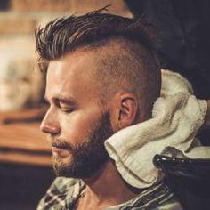 Best Pomades + Men Hair Products für dünnes Haar 2018 – More İdeas Best Hairstyles For Older Men, Mohawk Hairstyles Men, Black Men Hairstyles, Haircuts For Men, Men's Haircuts, Pomade Hairstyle Men, Fresh Haircuts, 1960s Hairstyles, Military Haircuts
