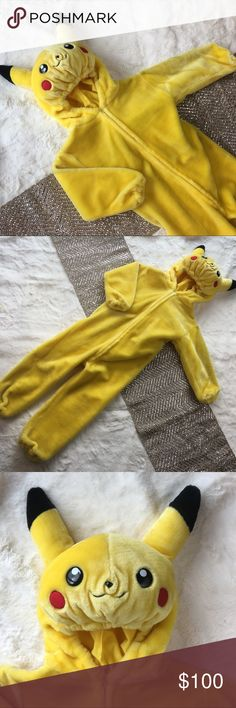 Warner Bros Official Pokemon Pikachu Costume In great condition. Size Small Pokemon Costumes Halloween