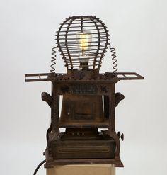 Tischleuchte Unikat extravagantes Design; vintage industrial Lampe; cool ausgefallen Petroleumofen Funkenfänger Plan B Lamps Nr.1