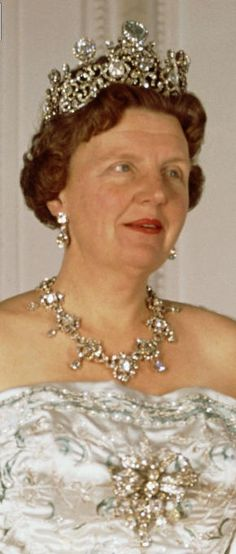Queen Juliana of the Netherlands wearing the stupendous Stuart diadem & parure. diamond tiara