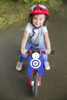 Kiddimoto Scooter Wooden Balance Bike in an Italian Style! Red Goggle helmet as worn by Prince George himself.