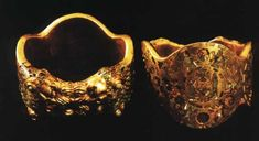 Assyrian Golden Rings from Nimrud c. The Iraq Museum - Baghdad Photographs by Noreen Feeney Ancient Jewelry, Antique Jewelry, Middle East Culture, Bagdad, New Jewellery Design, Cradle Of Civilization, Ancient Mesopotamia, The Embrace, Golden Ring