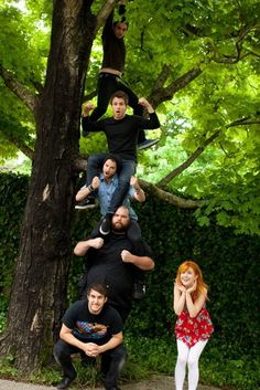 Paramore. This makes me smile. What a band picture should be: something with LIFE