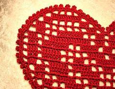 May Brit`s hobbyblogg: Heklet hjerteduk med oppskrift :) Friendship Bracelets, Pot Holders, Flowers, Hot Pads, Potholders, Friend Bracelets