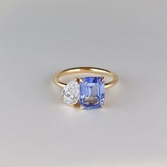 BANKS CEYLON SAPPHIRE AND DIAMOND RING Saphire Ring, Ceylon Sapphire Ring, Diamond Gemstone, Sapphire Diamond Engagement, Diamond Earrings, Dream Engagement Rings, Alternative Engagement Rings, Dream Ring, Vintage Rings