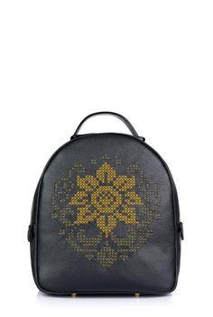 Rucsac negru cu broderie manuala din piele naturala RNXL3009-01NG -  Ama Fashion