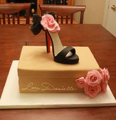 Fondant shoe cake...(beautiful shoes, comfy but high in calories :-)
