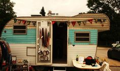 Hill Vintage and Knits  | Find a Fashion Truck | #fashiontruck #mobileboutique