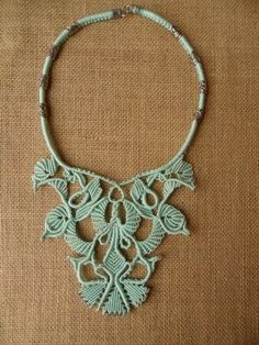 Artwork Macrame Patrizia Paris Macrame by jane Macrame Necklace, Macrame Jewelry, Crochet Necklace, Macrame Dress, Textile Jewelry, Jewellery, Micro Macramé, Macrame Knots, Macrame Patterns