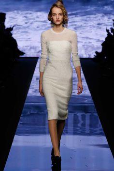Max Mara Fall 2015 Ready-to-Wear Fashion Show - Maartje Verhoef