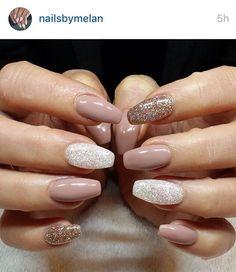 natural&glitter nails. #nails #acrylic