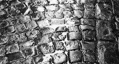 Pavés à Paris by Adolfo Kaminsky
