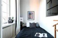 GO8 Micro Apartment, Tiny Apartments, Small Space Living, Small Spaces, Deco Studio, Compact Living, Living Room Kitchen, Decoration, Bean Bag Chair