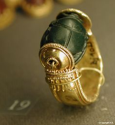 Louvre Museum Etrurie II Denon Wing  Ground floor - Section 19 Item 42 on 82 Etruscan and Roman Antiquities Jewel