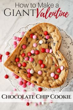 Nothing says I love you more than a Giant Chocolate Chip Cookie Heart for Valent.- Nothing says I love you more than a Giant Chocolate Chip Cookie Heart for Valentine's day! Recipe and instructions via The Fresh Cooky Valentine Desserts, Valentine Chocolate, Valentines Day Cookies, Valentines Food, Birthday Cookies, Valentine Ideas, Valentine Gifts, Giant Chocolate, Chocolate Chip Cookie Cake