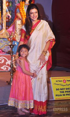 Another great mother-daughter duo - Sushmita Sen and Alishah at a suburban Mumbai Durga Pujo