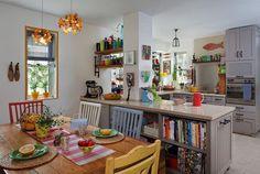 Each chair a different color! Boho Kitchen, Dining Table In Kitchen, Kitchen Decor, Dining Room, Kitchen Ideas, Little Dream Home, My Dream Home, Interior Design Inspiration, Retro