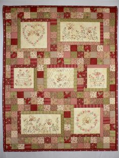 Seven little stitcheries of busy little bumble bees combine to make this a quirky small quilt, with the Queen Bee taking centre stage. Embroidered Quilts, Applique Quilts, Small Quilts, Mini Quilts, Quilting Projects, Quilting Designs, Quilt Patterns, Embroidery Patterns, Hanging Quilts