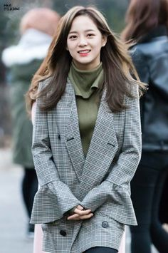 Pinterest: @wefeld Kpop Girl Bands, Jellyfish Entertainment, Kim Sejeong, K Pop Star, South Korean Girls, Korean Girl Groups, Somi, Sehun, Korean Celebrities