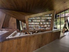 Stunning Sculptural House Astonishes With Dramatic Style And Angular Features | | iondecorating