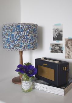 DIY Liberty Lampshade by Apartment Apothecary Floral Lampshade, Fabric Lampshade, Lampshades, Cover Lampshade, Concrete Candle Holders, Idee Diy, Diy Craft Projects, Craft Ideas, Decoration