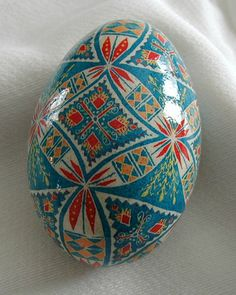 Love pysanky eggs....maybe I should play around with this more.