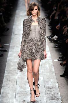 Valentino Spring 2010 Ready-to-Wear Fashion Show - Sara Blomqvist