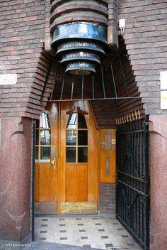 Amsterdam School, entrance of the Batavia Building, Stolk