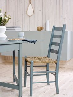 Home Decor Furniture, Outdoor Furniture Sets, Outdoor Decor, Home Spa, Coastal Style, Ikea Hack, Small Bathroom, Dining Chairs, Cottage