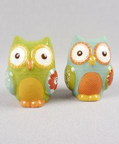 Vintage-looking owl salt and pepper shakers