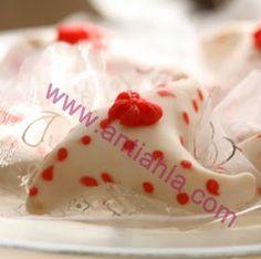 أنتِ أحلى | موسوعة تعليم فن الحلويات : حلويات العيد : بالصور طريقة تحضير أصناف كثيرة من حلوة العرايش Icing, Pudding, Cake, Desserts, Blog, Pie Cake, Tailgate Desserts, Pastel, Deserts