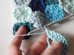 JuliaCrossland: How to Crochet Sea Pennies ❥Teresa Restegui http://www.pinterest.com/teretegui/❥