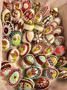 Mini Cupcakes, Desserts, Food, Meal, Deserts, Essen, Hoods, Dessert, Postres