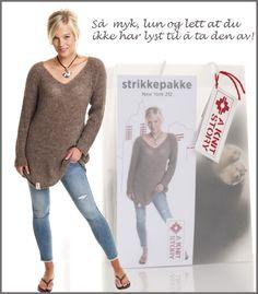 Tunika i børstet babyalpakka fra A KNIT STORY. Finnes som strikkepakke og ferdigstrikk!