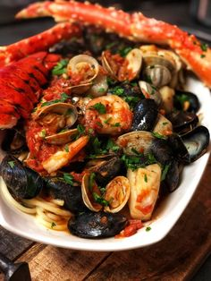 SEAFOOD PASTA FRA DIAVOLOSpicy…flavorful…my recipe for Seafood Pasta Fra Diavolo is perfection in a bowl! You would think this fancy dish is super difficult to prepare…it is NOT…the key is to layer the flavors and cook the seafood in stages.SEAFOOD P Seafood Bake, Seafood Stew, Seafood Dinner, Fish And Seafood, Mussels Seafood, Spicy Seafood Pasta Recipe, Local Seafood, Seafood Platter, Gourmet Recipes