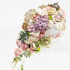 Vintage brooch bouquets for a truly vintage wedding