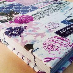Caderno revestido com linho. #bookbinding #linen #encadernacaoartesanal