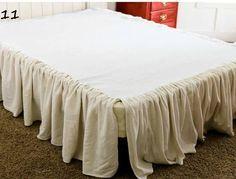 ΦΟΥΣΤΑ Η ΠΟΔΙΑ ΚΡΕΒΑΤΙΟΥ Πόσο όμορφο, πόσο ρομαντικό, πόσο ονειρεμένο θα γίνει το υπνοδωμάτιό σας αν τοποθετήσετε στο κρεβάτι σας φούστα ή αλλιώς ποδιά!!!!! Χρησιμοποιήστε ότι ύφασμα σας αρέσει για βολάν. Βάλτε δαντέλα, φλοράλ, σατέν, μεταξωτό, ότι ύφασμα σας αρέσει και ταιριάζει στο χώρο σας!! Έτσι κι αλλιώς το αποτέλεσμα θα είναι ονειρεμένο!!! Το ράψιμό...