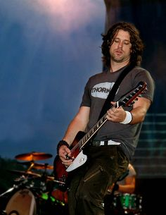 The lovely Dean Roland of Collective Soul