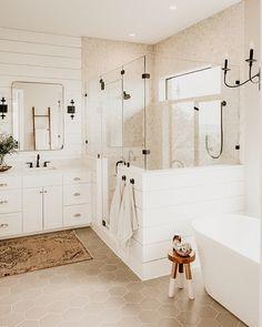 Dream House Interior, Dream Home Design, Modern Farmhouse Bathroom, Farmhouse Ideas, Farmhouse Design, Farmhouse Style, Farmhouse Decor, Bathroom Inspiration, Bathroom Ideas
