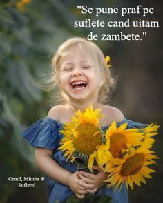 Sunflower Field Pictures, Sunflower Pics, Cute Kids, Cute Babies, Great Smiles, Sunflower Fields, We Are The World, Happy Smile, Beautiful Children