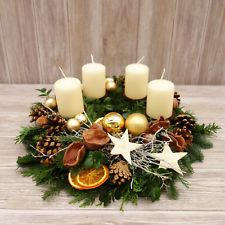 Christmas Advent Wreath, Christmas Flowers, Handmade Christmas Decorations, Christmas Candles, Xmas Decorations, Winter Christmas, Christmas Time, Christmas Crafts, Christmas Arrangements